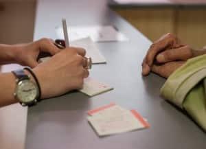 Les personnes accompagnées bénéficient d'une aide administrative de la SSVP pour faire valoir leurs droits.
