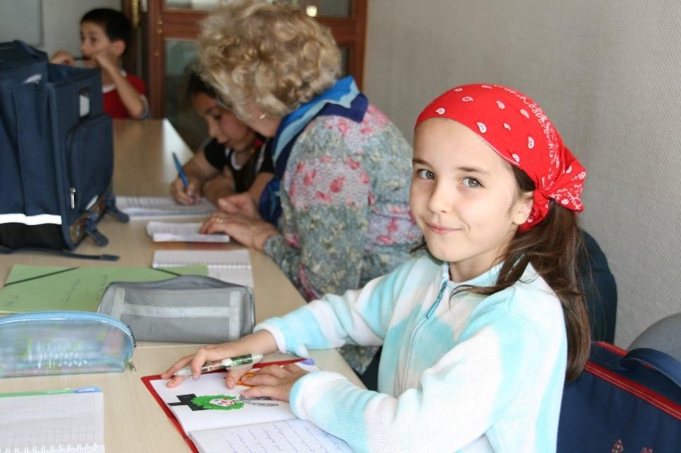 Participer à des ateliers d'écriture pour exprimer ses difficultés.