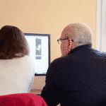 l'aide informatique aux personnes âgées