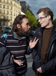 Paris 14 : Pierre, lunettes a acceuilli cet hiver Frederic (pull rayé)