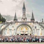 Photo de groupe des bénévoles de la SSVP lors du pèlerinage de Lourdes