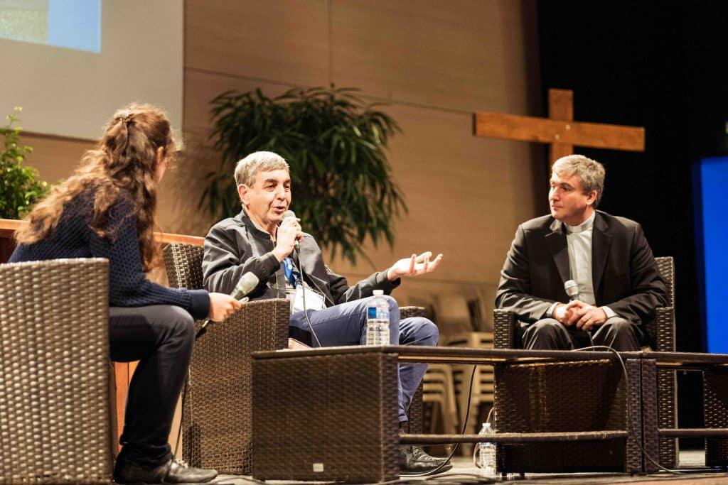 Gilles Rebêche et Père Emmanuel Coquet lors de la table ronde du samedi 20 octobre
