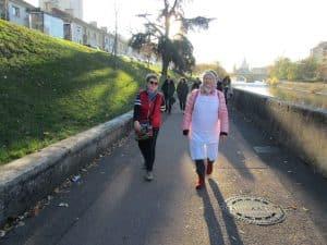 Marche vers Caritas 1